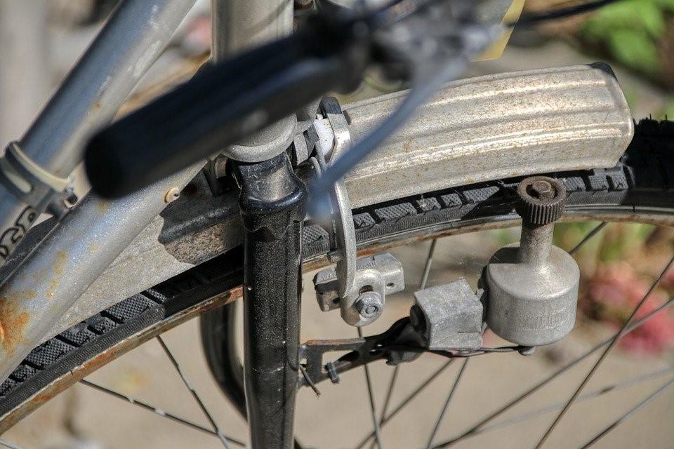 Динамо за регенеративно спиране при електрическо колело